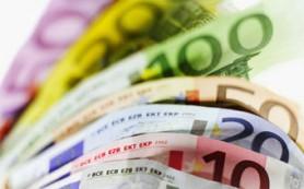 Курс евро упал до минимума с августа 2010 года