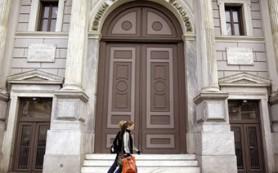 Крупнейший банк Греции потерял полмиллиарда евро за квартал