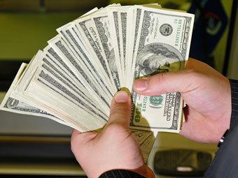 Доллар подорожал до 31 рубля