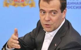 Медведев пообещал повысить трудовые пенсии на 45 процентов