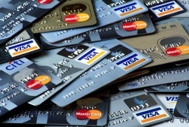 Россияне все чаще используют банковские карты для оформления кредитов
