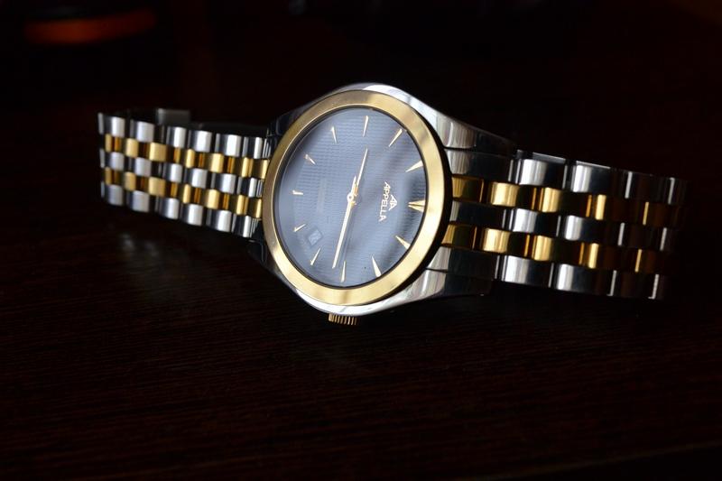 Респектабельные серебряные мужские часы