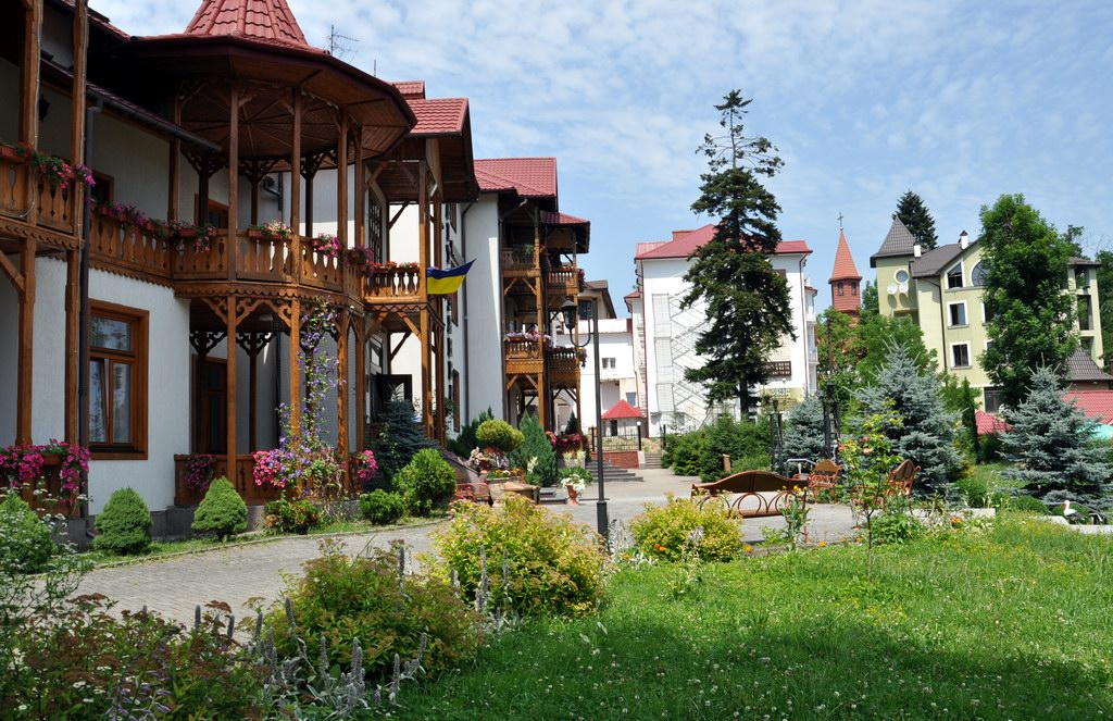 Отдых в санаториях курорта Трускавец