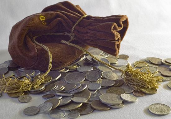 Денежный амулет поможет разбогатеть