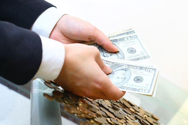 Крупнейшие банки начали повышать ставки по вкладам
