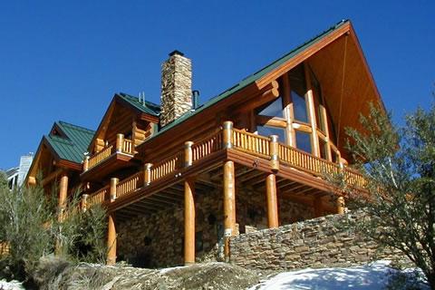 Защита деревянного дома от воды