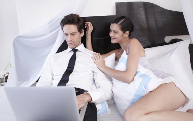 Трудоголизм как угроза браку
