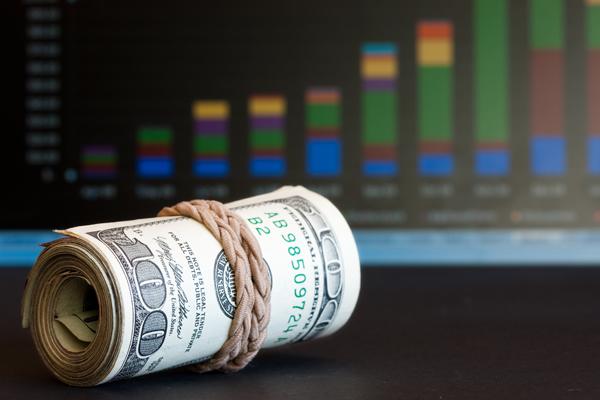 ЦБ повысил курс доллара почти до 54 рублей