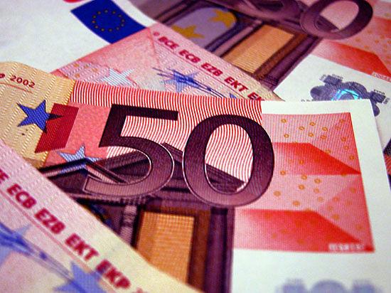 Греция запретила снимать в банкоматах более 60 евро