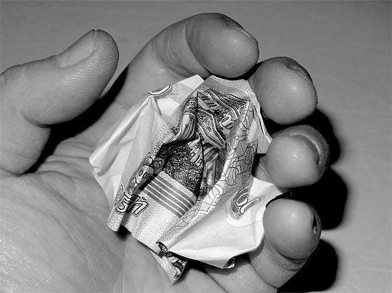 Аналитики Сбербанка рекомендуют готовиться к новому шоку на валютном рынке