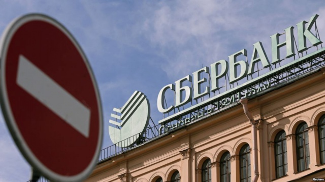 Санкции для банков РФ: и здесь, и там