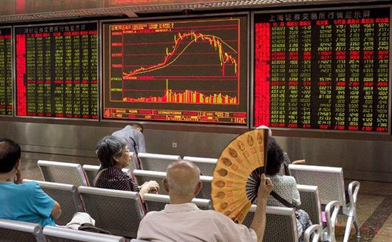 Фондовый рынок Китая упал после самого долгого роста