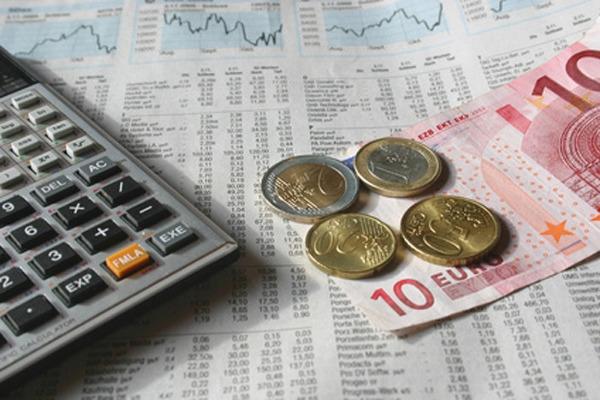 Сбербанк с 16 октября снизил проценты по валютным вкладам