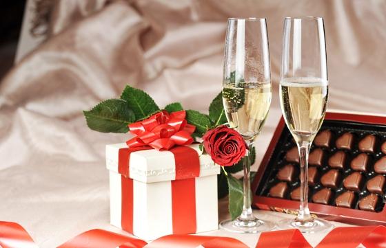 Варианты оригинальных подарков на свадьбу