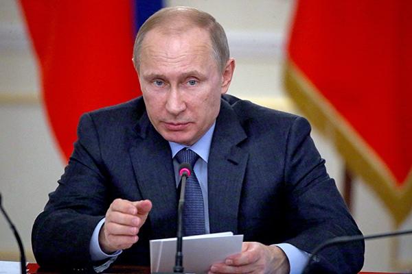 Путин призвал Сбербанк аккуратнее работать со строительными компаниями