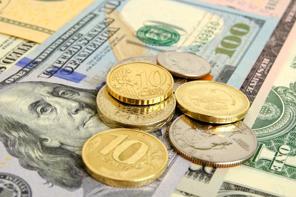 ЦБ опустил курс евро почти на полрубля