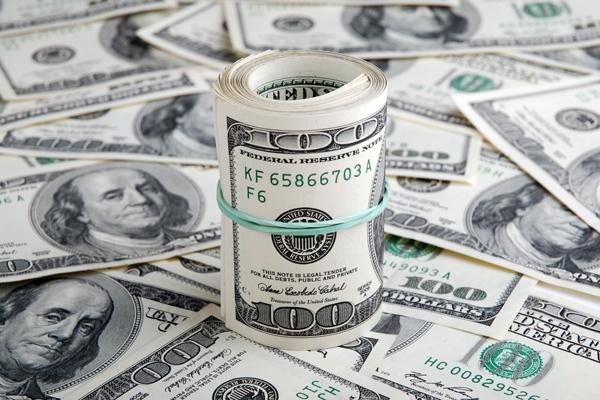 ЦБ опустил курс доллара до 66 рублей