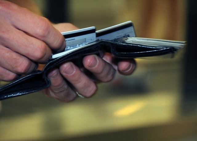 Долг по кредитным картам в США – почти $1 трлн