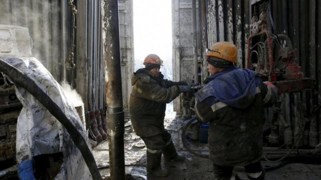 Нефть подорожала на заявлениях РФ о заморозке добычи