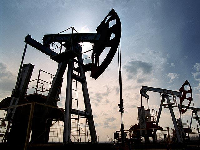 Нефть снова дешевеет, несмотря на данные о сокращении числа работающих буровых установок