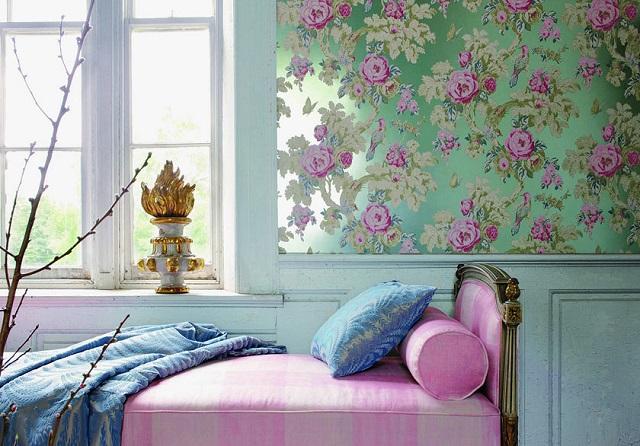 Обои с цветочным орнаментом в интерьере