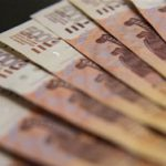 Банк России определился с курсами доллара и евро на выходные