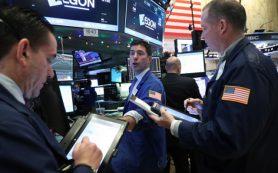 Крепкий доллар создает риски для акций