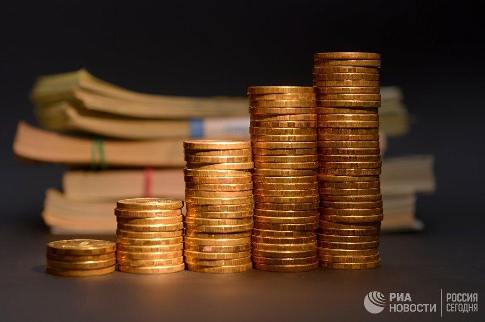 Реальный эффективный курс рубля в январе-апреле вырос на 8,3%