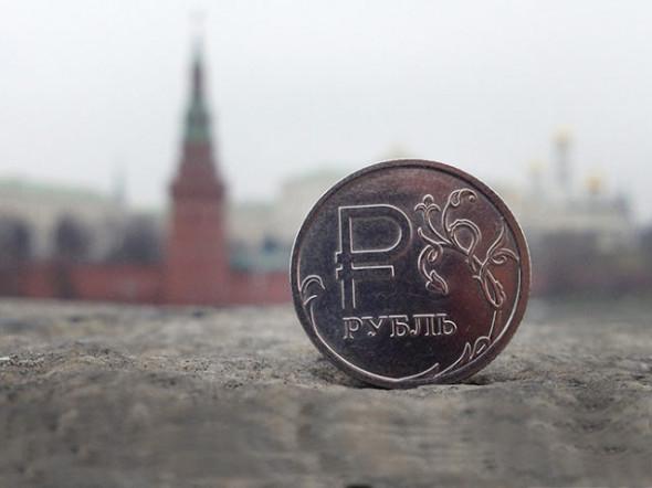 Санкции ускорят девальвацию рубля