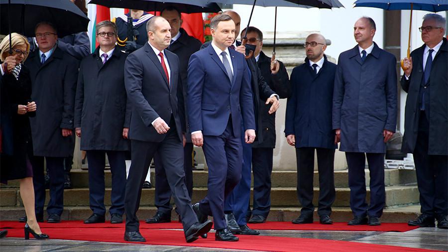 Президент Болгарии выступил за отмену санкций против России