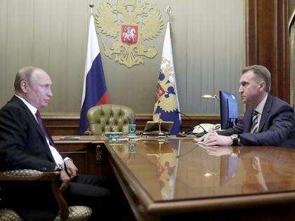 Путин предложил Шувалову возглавить Внешэкономбанк