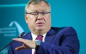 Глава ВТБ предложил план по отказу от американской валюты