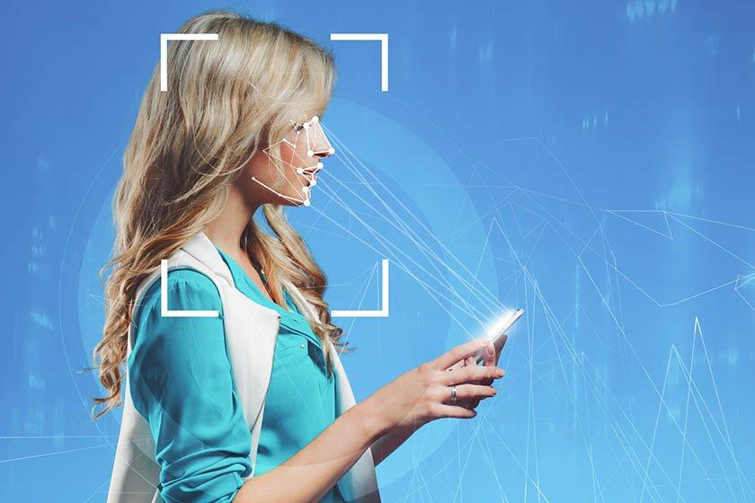 СМИ: Сбербанк стал собирать биометрию через смартфоны