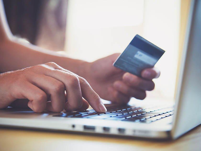 Банк «Акцепт» отменил комиссию за оплату услуг связи и переводы по СБП