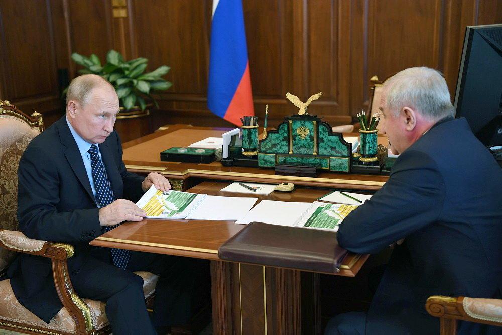 Владимиру Путину рассказали о результатах реформирования таможни