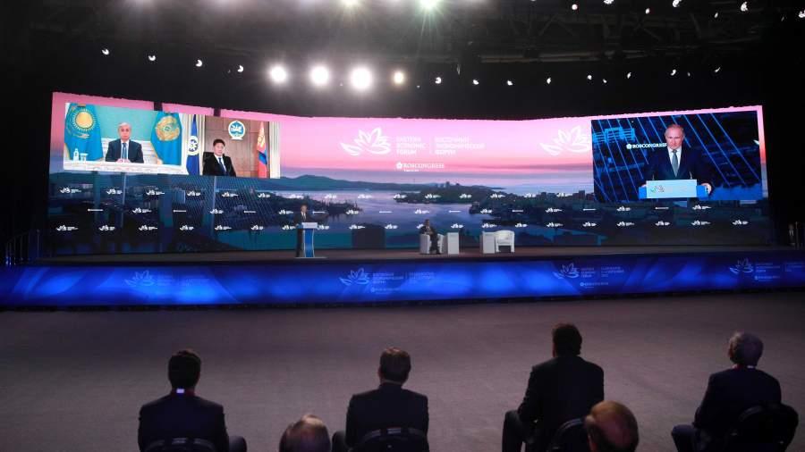 Путин объявил о планах нарастить возможности Севморпути к 2024 году